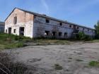 Нежитлове, виробниче приміщення (в минулому - ферма)