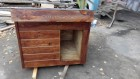 Деревянная будка для собак. Вольер из дерева